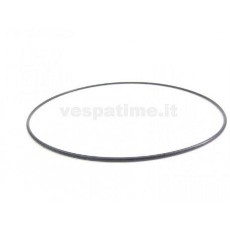 Gasket between clutch cover and engine housing nos vespas 50s/60s. ariete
