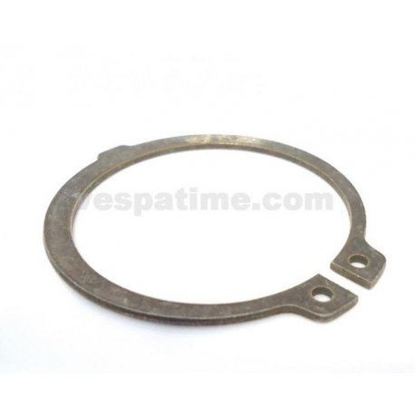 Seeger ring for closing gear cogs vespa px from arcobaleno series, px125t5